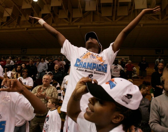 Sade Logan celebrates Robert Morris' victory over LIU Brooklyn in the 2008 #NECWBB title tilt. (Photo by Jason Cohn)
